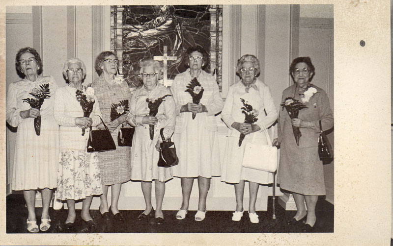 oakland-church-ladies-with-flowers-1980-img598