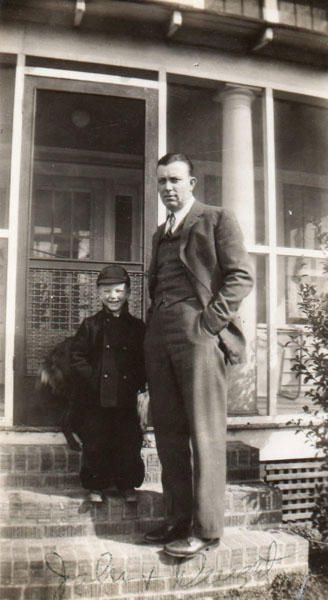 john-and-drexel-in-1943-at-home-in-chuckatuck-img067