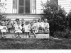 chuckatuck-kids-on-meadowlot-front-poarch-in-1950-see-folder-for-names-img062