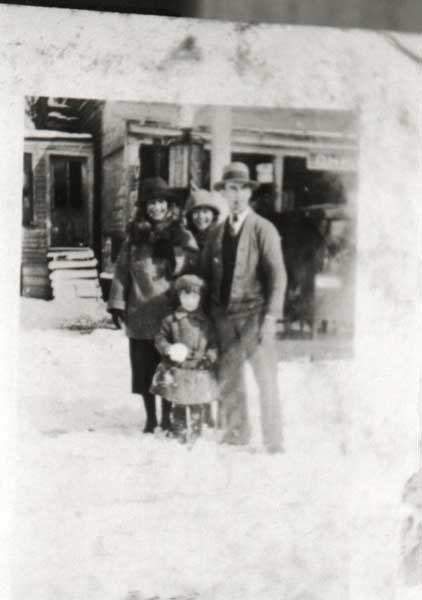 child-is-mary-virginia-johnson-with-lillian-marshall-and-charlie-johnson-in-front-of-pitt-store-1927-img084