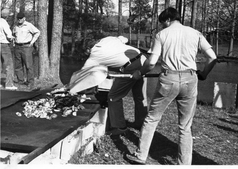 oyster-roast-1981-saunders-farm-img-574
