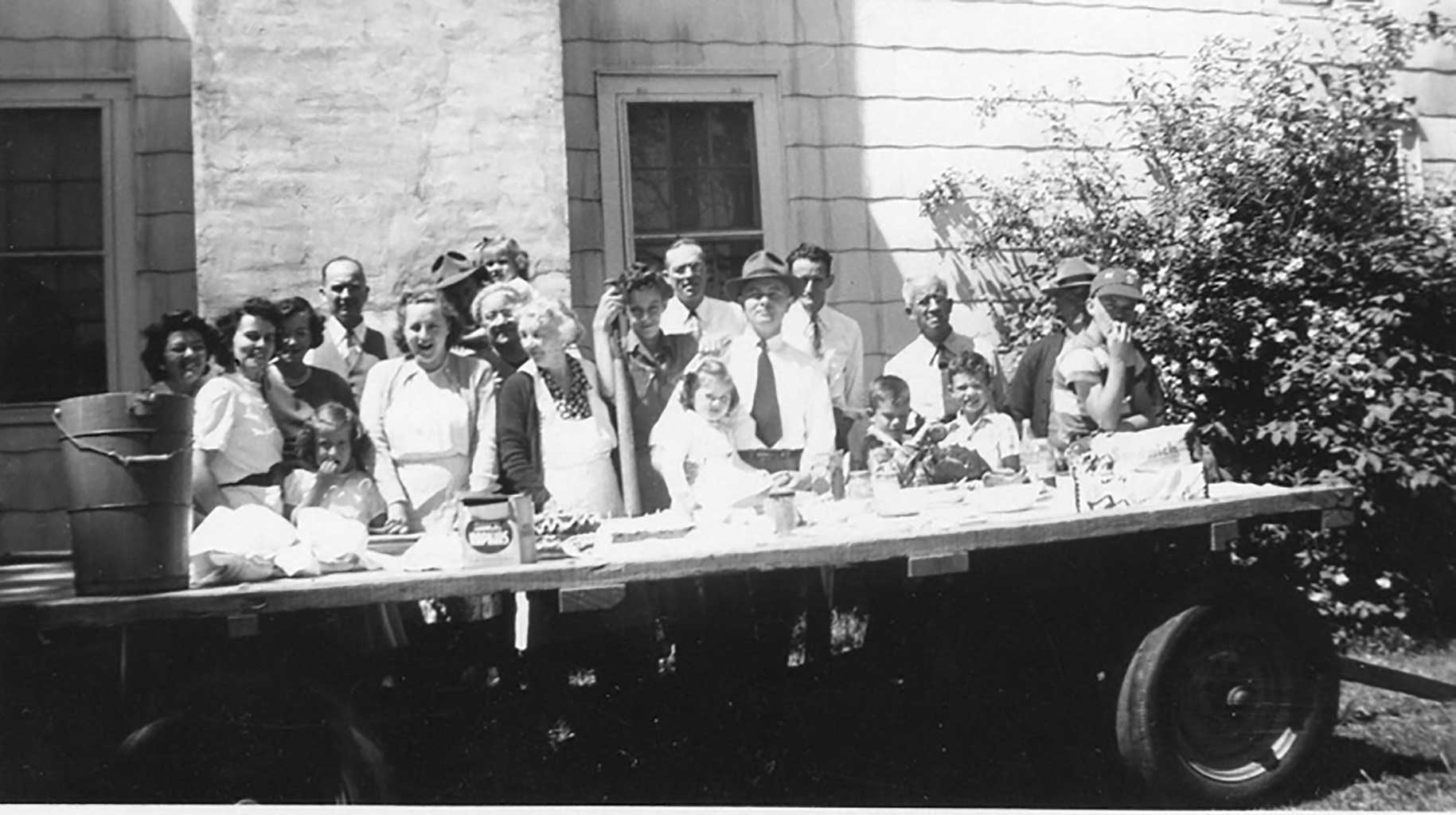 memorial-day-family-picnic-1950-img780