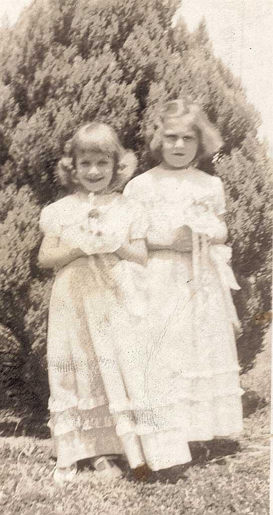 Betty Barrett & Janet Knight - May Day CHS 4th gr