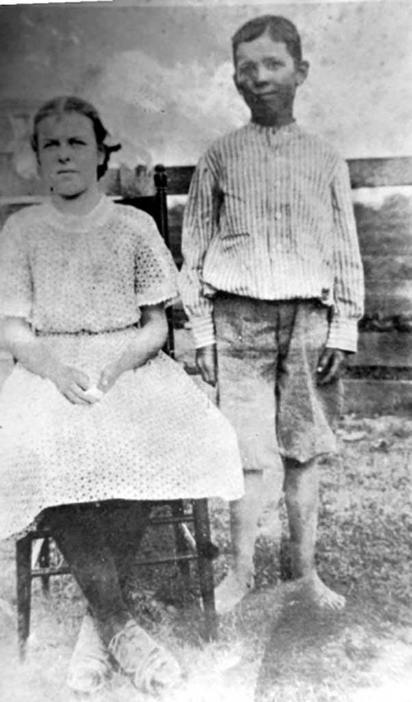 nannie-ruby-moody-kenneth-herbert-moody-circa-1910-mother-of-hulda-and-frank-img-349