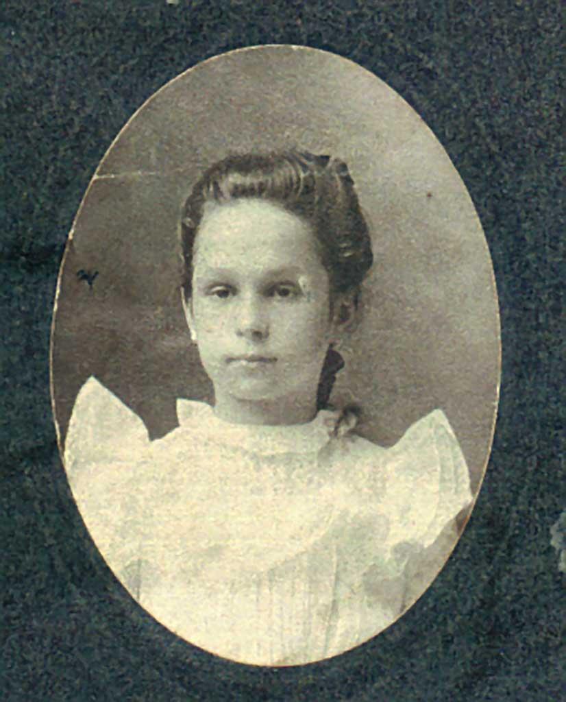 maggie-pitt-spady-age-16-c-1916-emma-kelly-photo