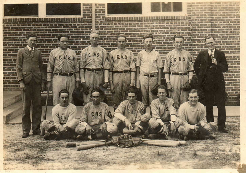 alex-with-chuckatuck-high-school-baseball-team-img852