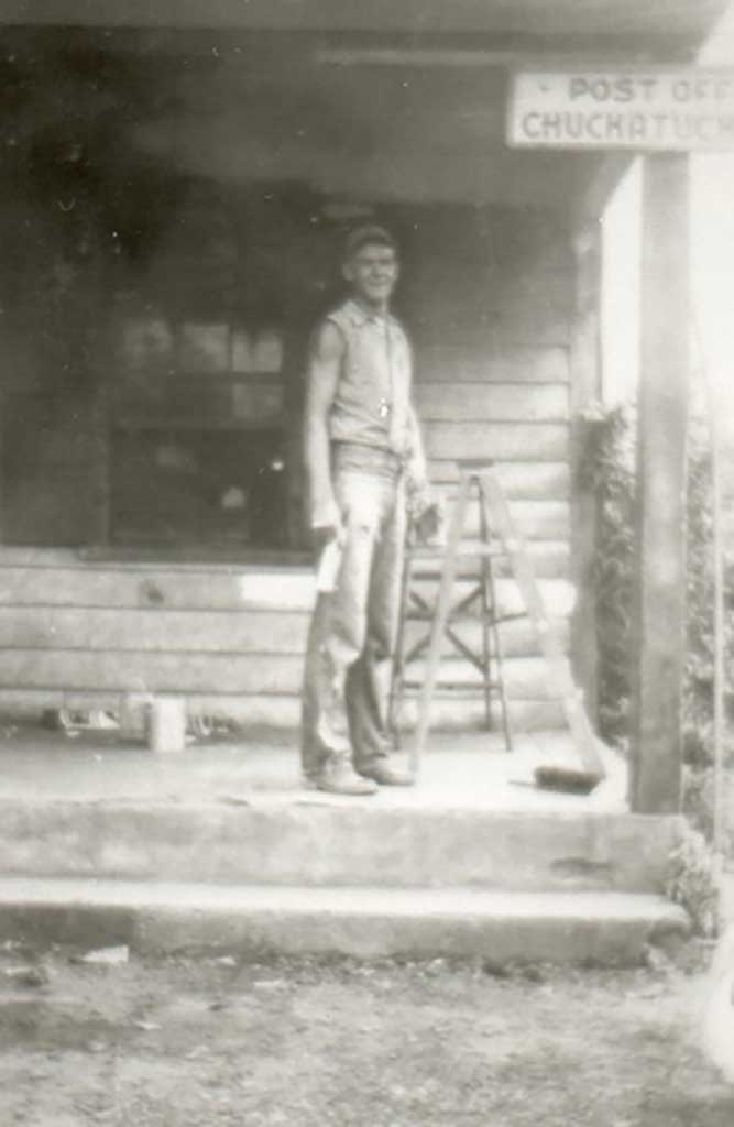 billy-moore-on-front-porch-of-moores-store-post-office-img330