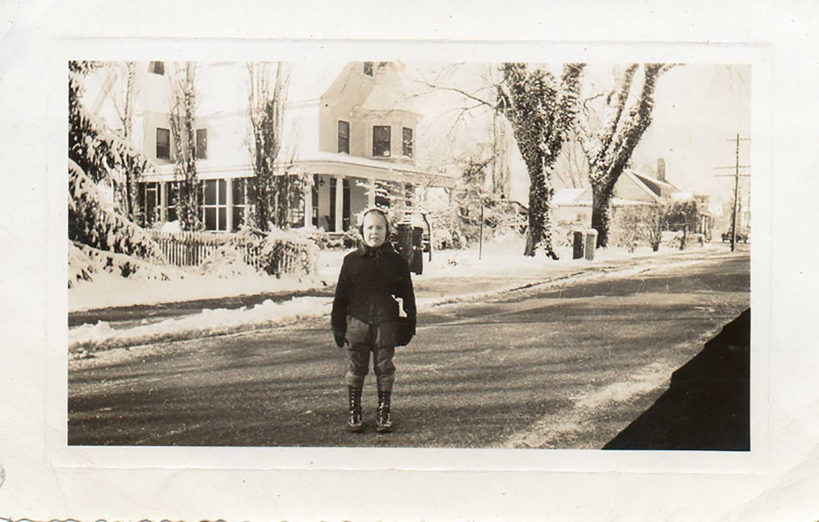 moore-house-in-winter-with-unknown-img854