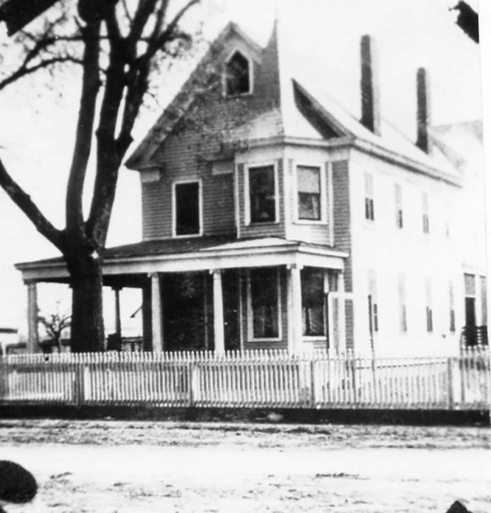 wc-moore-house-img105