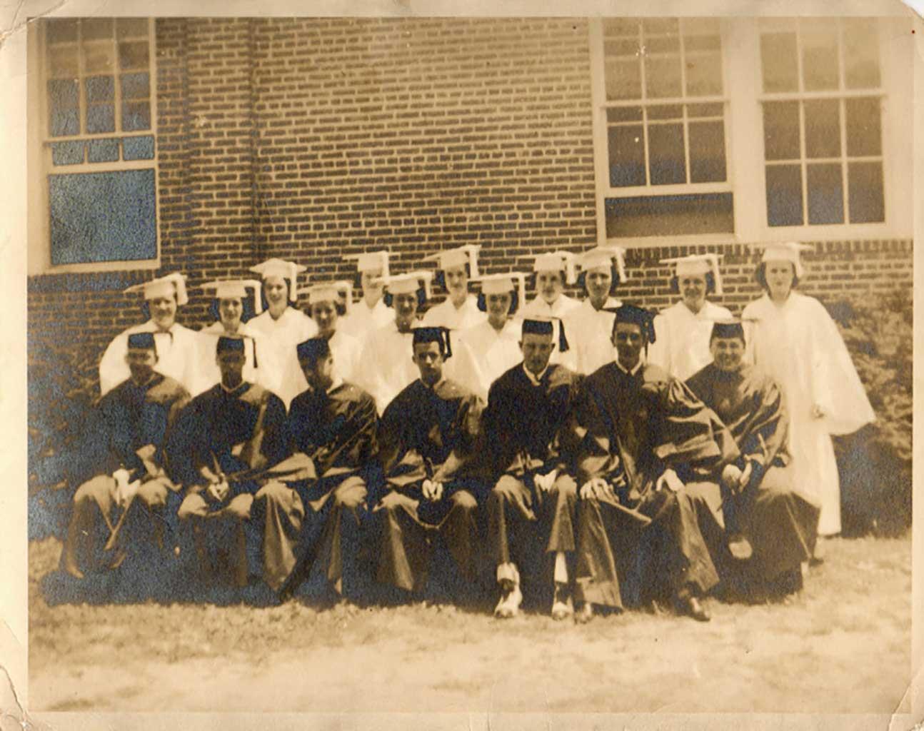 chuckatuck-high-school-graduating-class-1938-mg558