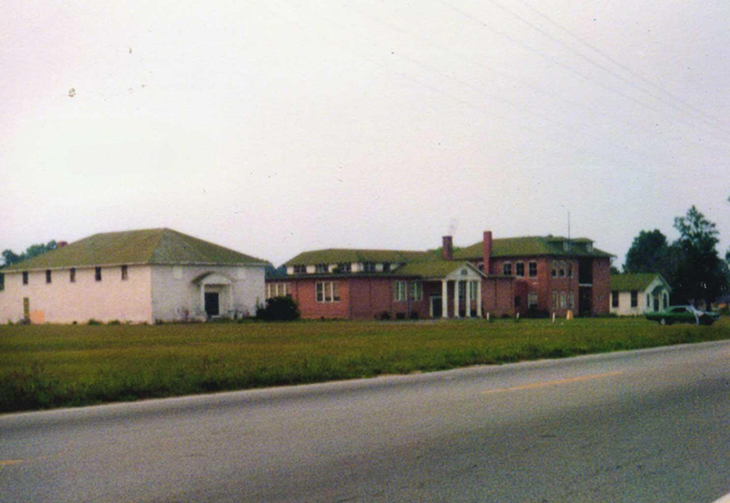 chuckatuck-elementary-high-school-gymnasium-img149