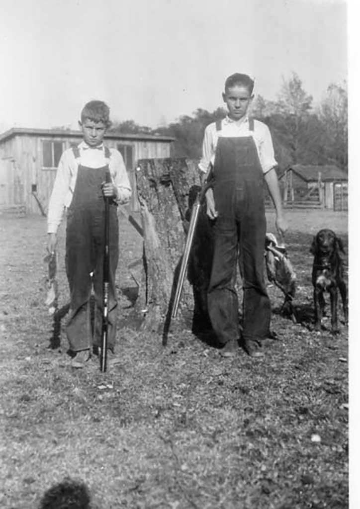 arthur-and-stokes-kirk-hunting-circa-1926-img330