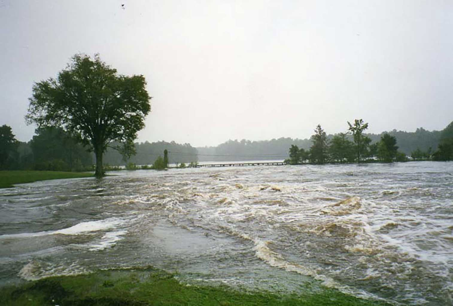 high-water-at-everets-19-16-1999-img-248