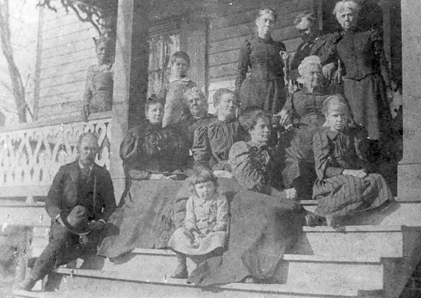 jj-kirk-family-including-inlaws-c-1892-img253