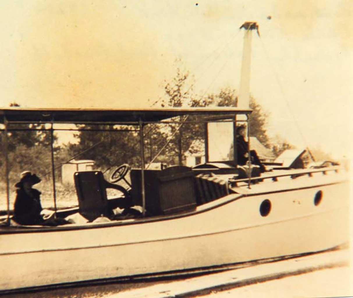 merle-kirk-boat-made-by-jr-kirk-c1920s-img254
