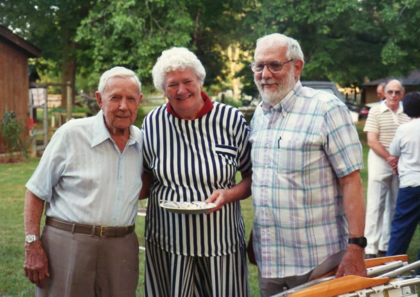 willie-staylor-mary-lou-thomas-dr-thomas-at-4th-of-july-picnic-1994-img284