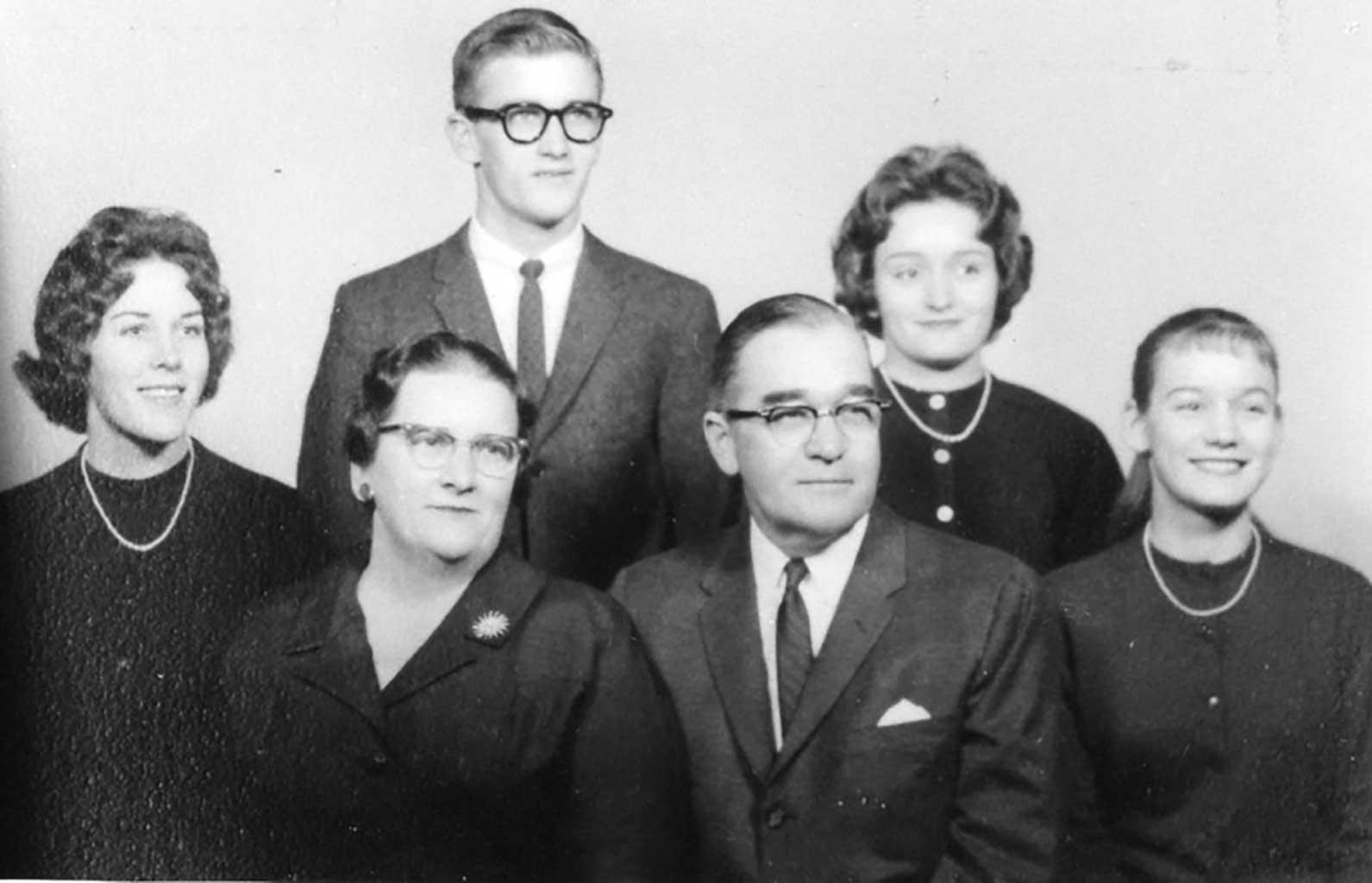 w-g-saunders-family-circa-1958-img165