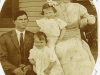 underwood-family-in-1911-at-the-griffin-home-in-everetts-img138