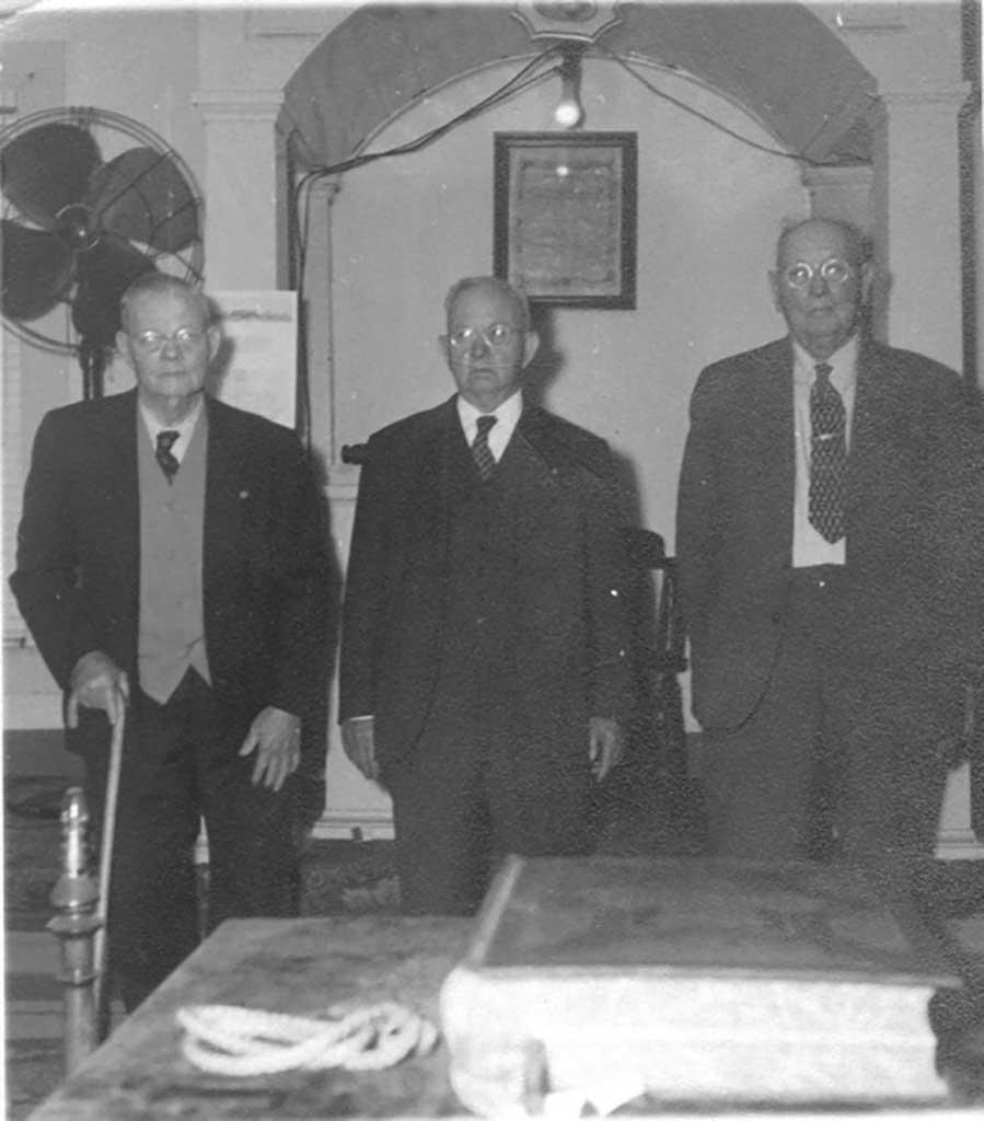wagner-members-at-masonci-lodge-image1-1