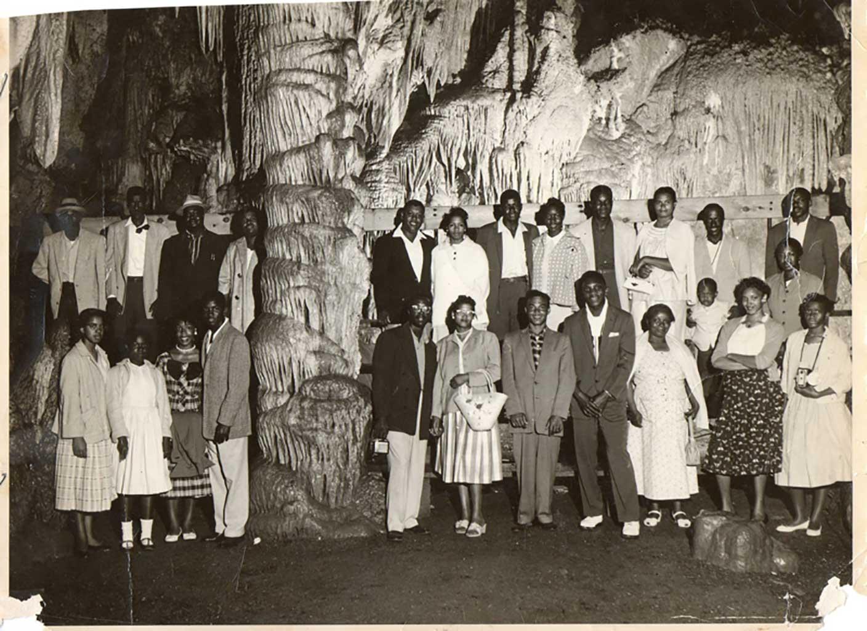 christian-home-church-group-at-luray-caverns-mg272