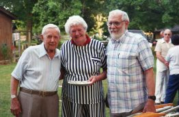 1994-willy-staylor-mrs-thomas-dr-thomas-whitley-july-picnicimg071-1